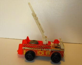 Fisher Price Fire Engine Pull Toy Wood with White Ladder #720    (616)