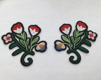 Pair of iron on motifs