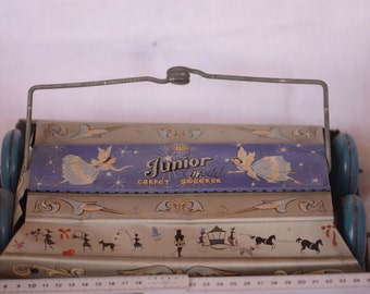 Vintage tin toy Mettoy Junior carpet sweeper