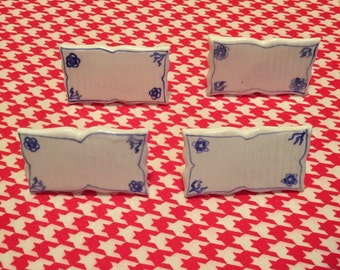 Blue and White Dry-Erase Place Name Cards