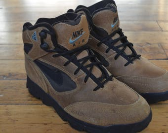 Vintage 90s Nike Air ACG Boots (Size 7.5 US Women's)