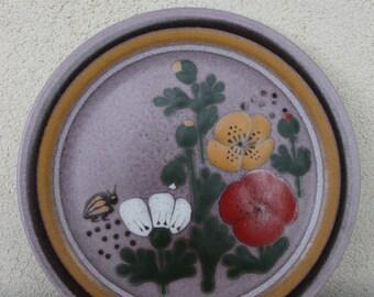 KMK (Keramik Manufaktur Kupfermuehle) vintage/retro hanging plate bees and flowers