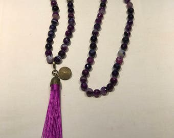 Necklace with pompon
