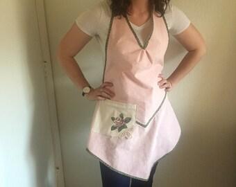 Women's apron - Vintage style apron - Pink apron - Upcycled apron - Women's gift - Spring apron