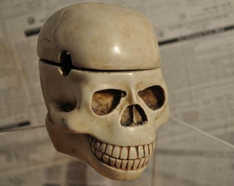 Death's head - skull