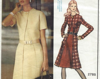 1972 Vintage VOGUE Sewing Pattern DRESS B32 1/2 (1156) By 'Molyneux' Vogue 2785