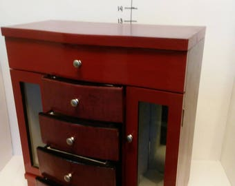 Large jewelry box/ Red Music