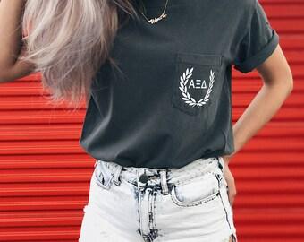 Alpha Xi Delta Comfort Colors Laurel ΑΞΔ Unisex Pocket T-shirt