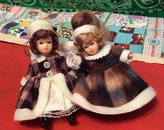 Little Victorian Porcelain Dolls/Miniature Poseable Dollhouse Dolls