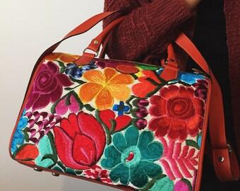Guatemala Leather Embroidered Handbag / SHIPPING INCLUIDED/ Handmade Tote / Antigua Artisan Bag