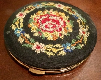 Antique Compact Lin Bren Creation 1940's Black Needlepoint Collectible Trendy Cosmetic Purse