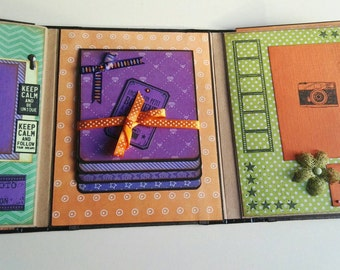 Green, orange and violet memories photo album