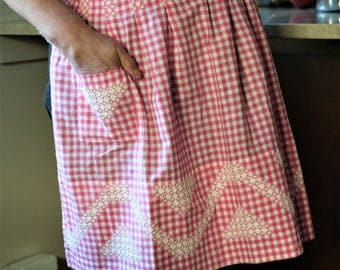 Pink Gingham Apron, Cross Stitch Pattern, Apron with Pockets, Bright Pink, Cotton Apron, Vintage Apron, Shabby Chic