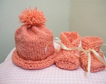 Baby knit hat and booties/knit