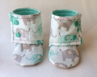 Baby booties // elephants // Soft Shoes // Baby slippers // antislip sole