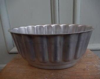 Vintage Fluted Jelly Mould, Aluminum Mould, c 1930s, Jelly, Mousse, Mould, Kitchenalia