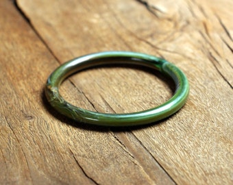 Vintage Groene Bangle Smal, lucite