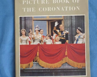 Right Royal Country Life Picture Book of the Royal Coronation. Queen Elizabeth 1953. Royal Collectible