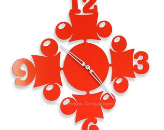 Red clock Circus