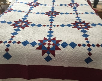 Beautiful red, white blue queen quilt 90x94