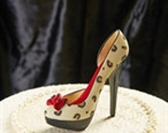 Bette's Closet Collectible Shoe from Giftcraft or use as Cake Topper