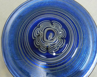 Hand blown glass plate by Oiva Toikka for Nuutajarvi art glass