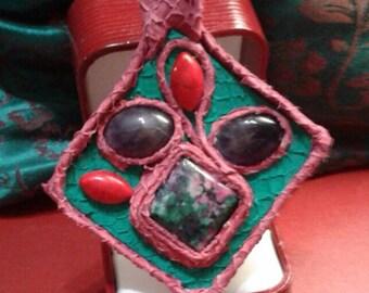 "Pendant ""Lozenge"" Fish leather and semiprecious stones"