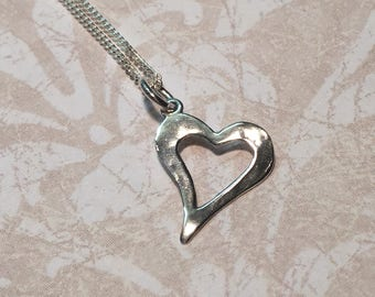 Necklace in sterling silver, and his heart pounded.
