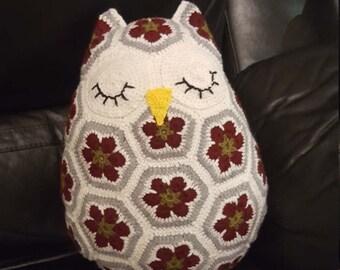 Sleepy Owl Cushion/pillow
