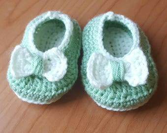 Handmade Baby Shoes in Pale Green 0-3 months