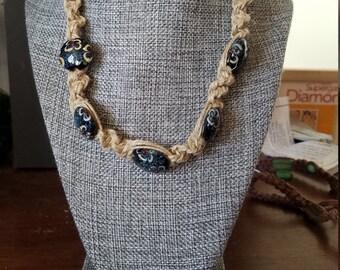 Women's short necklace