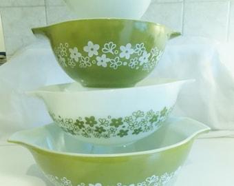 Pyrex Crazy Daisies Cinderella 4 bowl set
