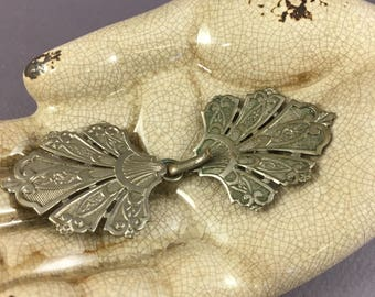 Antique french vintage 1900 Art Nouveau / Edwardian cloth clip/fastener, floral shape, floral and foliage relief pattern