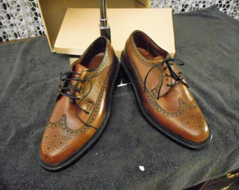 VINTAGE NUNN BUSH Wing Tips Shoes  60's or 70's Never Worn Very Nice