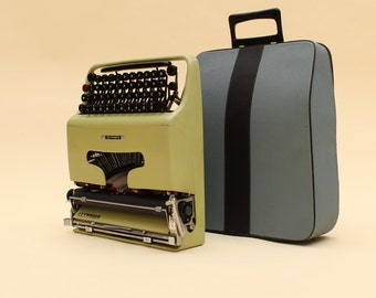 Olivetti lettera 22 macchina da scrivere, Marcello Nizzoli designer, vintage, gift, regalo  typewrite made in italy verde perfectly working