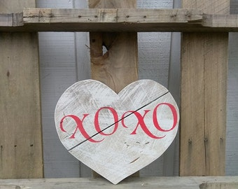 XOXO Wooden Heart Decor - Rustic Valentine's Day Gift - Valentine's Day Decor - Pallet Wood Heart Sign - Reclaimed Wood Heart Wall Hanging