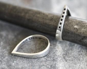 Drop Ring | tear drop ring | geometric ring | classy silver ring | silver drop | point ring | modern ring | handmade ring | sterling silver