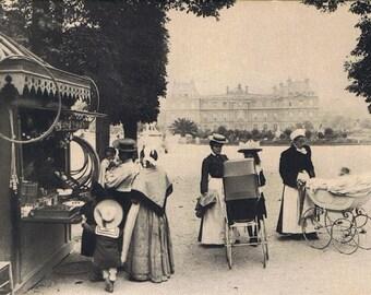 Nurse in Paris 1900 Original French Vintage Postcard
