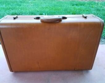Vintage Samsonite Suitcase,Brown Leather Suitcase, Old Suitcase, Vintage Luggage, Luggage,Large Suitcase. Suitcase Photo Prop