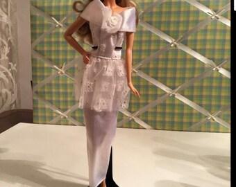 Barbie Doll Vintage Off the Shoulders White Wedding Dress