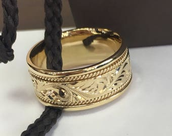 Men's 14k 10mm Hand Engraved comfort fit wedding band