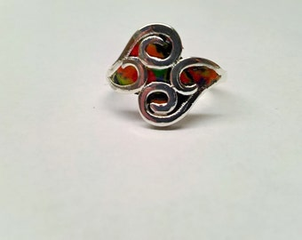Silver ring fantasy form, with fimo inserts in different colors. Size 7