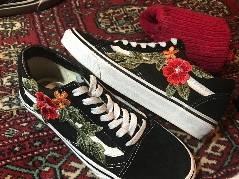 vans black old skool red rose