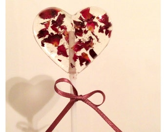 Lollipop wedding favours - five beautiful rose petal heart lollipops. A stunning addition to your wedding table as favours or place se