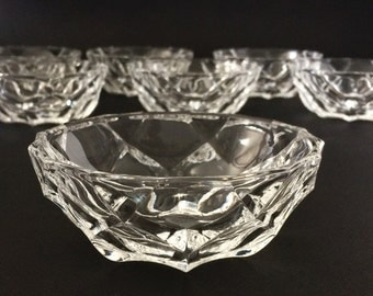 French Vintage crystal dessert bowl set.French 1940's art deco style dessert serving bowl and 7 individual bowls.France vintage art deco.