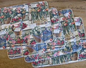 Flowery fabric placemats, set of 4 pretty vintage French reversible place mats