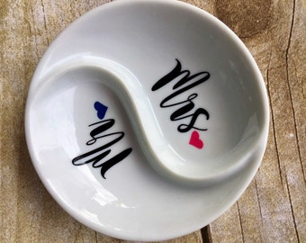 Custom ring dish / ring holder / ring dish / monogram ring dish / engagement gift / bridal gift / monogram ring tray
