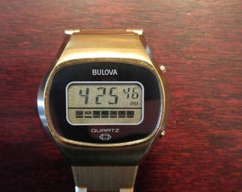 VINTAGE 1977 Bulova Computron Working Digital Quartz Gold Watch