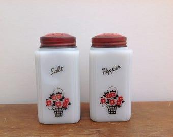 Vintage Tipp USA Milkglass salt & pepper shakers