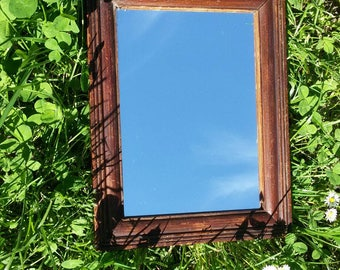 Old wooden frame miror 28 x 22 cm
